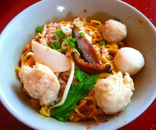 Singapore Foodsters Hawker Centre Food Sampling Tasting Tours Fish Ball Noodles 2