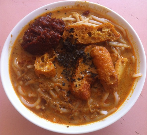 Singapore Foodsters Hawker Centre Food Tasting Sampling Tours Laksa